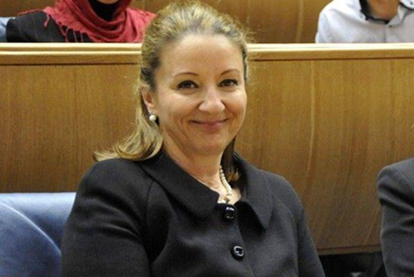STAJLING PRVE DAME U BOŠNJAKA: Stotinu penzija na ramenu Sebije Izetbegović!