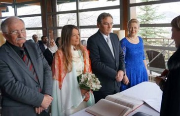 PJEVAČICA SELMA MUHEDINOVIĆ PRIZNALA: Udala sam se za Harisa (70), iako je 26 godina stariji, jer…