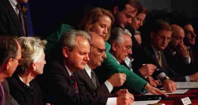 Hoćemo li dobiti Dejton 2: Sadašnji Ustav ne funkcionira, ali EU je u strahu od novog sukoba u BiH