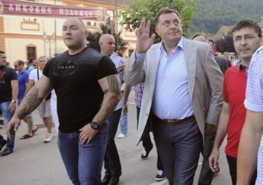 """Dodika u Srbiji čuva """"najjači"""" čovjek na svijetu… Pogledajte kako izgleda i ko je ovaj čovjek…"""
