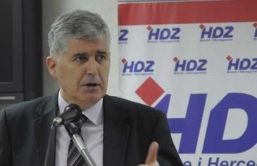 """MOSTARSKI HDZ RIGA VATRU: """"Neprihvatljiva ideja o rotirajućem gradonačelniku!"""""""