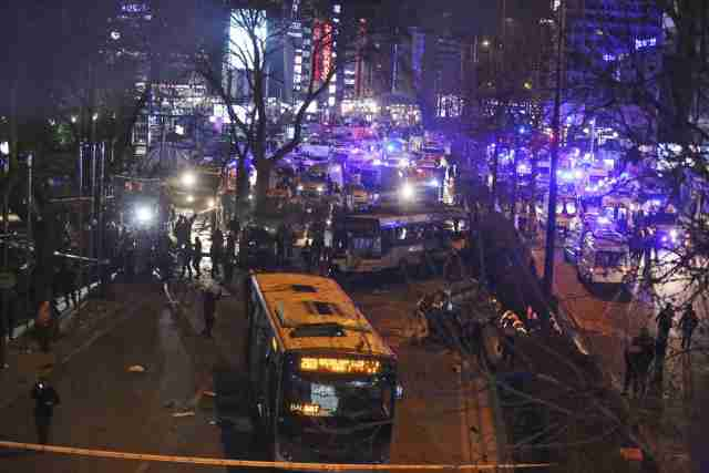 Facebook 'gori': Bili ste Charlie, Pariz, hoćete li biti Ankara?!