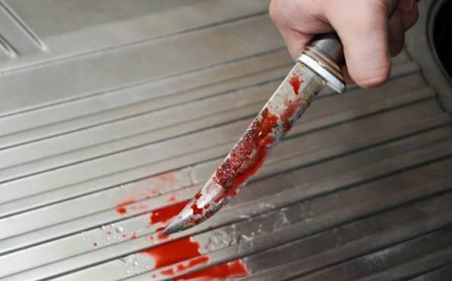 NEZAPAMĆEN ZLOČIN U NAŠIM KRAJEVIMA: Unuk kuhinjskim nožem iskasapio baku nasred ulice…