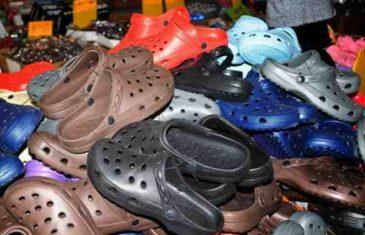 VELIKA OPASNOST: Ove papuče ima većina vas, ali kada OVO pročitate odmah ćete ih prestati nositi…