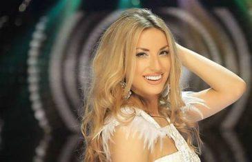 RADA POKAZALA S*KSI NOGE: Amidžić rekao pjevačici da joj fali parče suknje, a komentar Ace Lukasa nasmijao je sve u studiju!