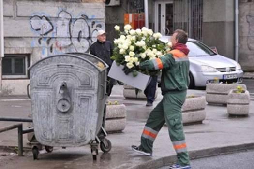 SARAJEVO SE OBRUKALO: Pogledajte gdje je završilo cvijeće za žrtve