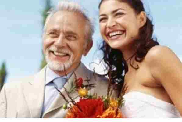 OVO JE ŠOKIRALO SRBIJU: Snaha se udala za svekra… Pogledajte zašto se razvela od supruga…