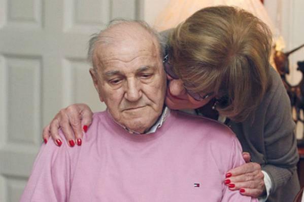 KAD ĆE DOĆI MOJ MIĆA? Bata Živojinović u suzama doziva sina kog nije vidio 10 godina!