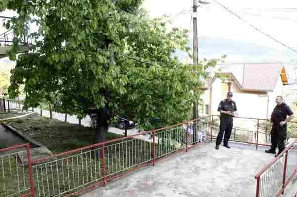 TRAGEDIJA U SARAJEVU: Brala trešnje na drvetu i poginula