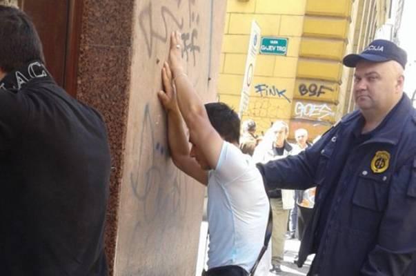 Inspektor se zadesio u tramvaju: Uhvaćeni džeparoši koji su pokrali starca
