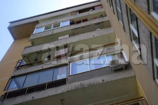 Refika skočila sa balkona svog stana