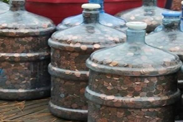Sakupljao je gvozdene novčiće više od 40 godina. Kada je otišao u banku, doživio je šok!