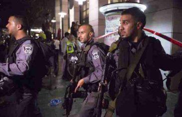 UZNEMIRUJUĆI VIDEO: Pojavio se stravičan snimak na kojem policajac puca u čovjeka koji je napravio masakr u Tel Avivu!
