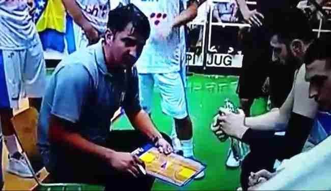 STRAŠNO: Selektor košarkaške reprezentacije BiH psovao Boga tokom utakmice