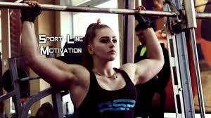 Dvadesetogodišnja Ruskinja ima lice djevojčice i tijelo bodybuildera.
