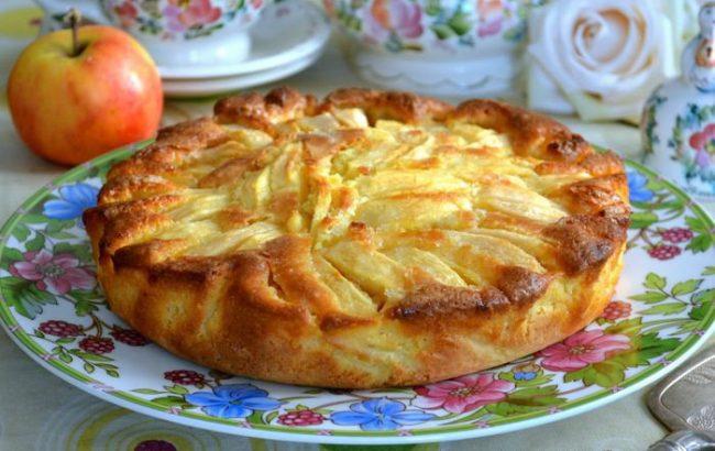 Italijanska šarlota od jabuka. Kolač koji se topi u ustima!