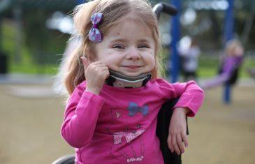 Njene kosti se slome na dašak vjetra: Ova djevojčica prije 1. rođendana slomila 100 kostiju (FOTO)