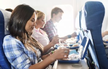 Slavi kuhar / Anthony Bourdain: Hranu u avionu nikada nemojte jesti