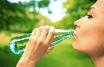 OVE STVARI ĆE VAM SE DOGODITI KADA ODLUČITE PITI SAMO VODU