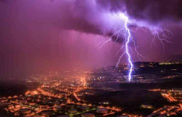 Biće pakleno, ali stižu munje i gromovi sa pljuskovima: Bh. meteorolozi objavili prognozu za naredne dane