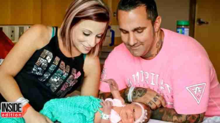 Novorođenu bebu je neko poljubio i ona je umrla nakon nekoliko dana