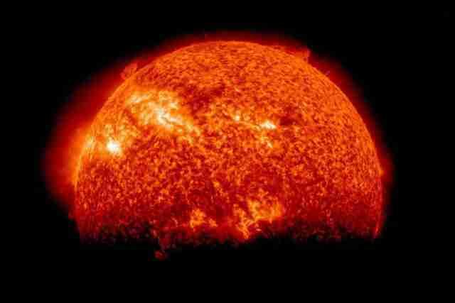 IDE KA ZEMLJI i može biti OPASNO: Sunce oslobađa najintenzivnije solarne baklje ikada