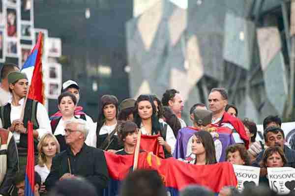 Srbi se žale jer ih u svijetu popisuju kao Bosance, oko 20.000 Srba u zatvorima širom svijeta