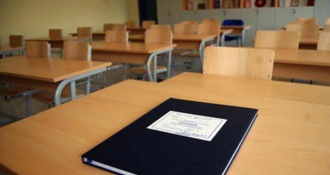 Školama prijete katanci: Nedostaje 8.000 đaka, nastavnici će ostati bez posla