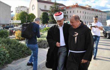 Na otvaranju javne kuhinje: Plenković pobjegao kad je vidio hodžu