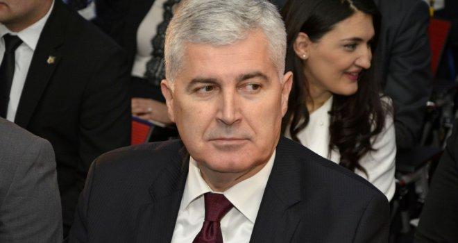 PREDSJEDNIČE, ŠTO JE OSTALO: Nećete vjerovati što danas u 13 sati radi Dragan Čović!?