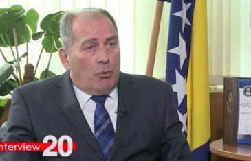 Ministar Dragan Mektić pred kamerama otkriva: Ko koga prisluškuje i prati u BiH, ko laže, a ko ucjenjuje…