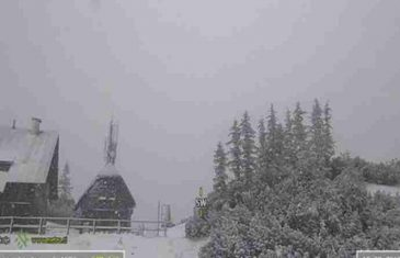 NEVJEROVATNE FOTOGRAFIJE NEVREMENA KOJE JURI KA NAMA: Pao prvi snijeg, u Hrvatskoj na snazi crveni alarm…
