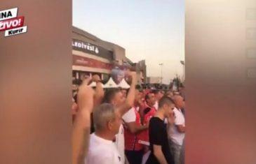 Ludilo u Istanbulu: Đoković pomogao svojim košarkašima, Srbi i Slovenci zajedno pjevaju 'ko ne skače, taj je Hrvat'!