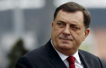 DODIK SA ZAŠTITNOM MASKOM: Srpski član Predsjedništva BiH se pridržava mjera