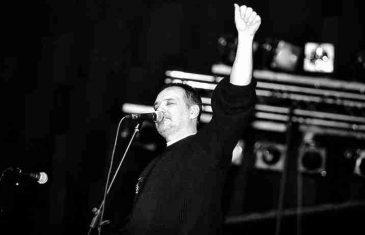 Mora biti nečeg velikog u čovjeku koji stane pred 14.000 ljudi u Sarajevu i kaže im: Ljudi, ja sam kriv taman i da nisam kriv