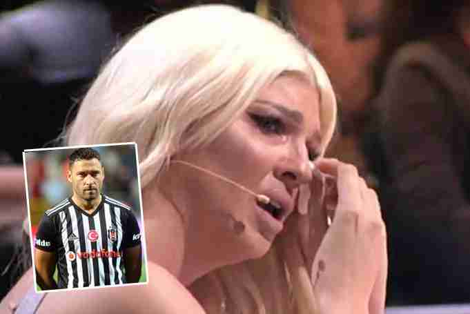 ZAVRŠILA U SUZAMA, NE MOŽE DA PODNESE DUŠKOV PRITISAK I NAPADE: Jelena Karleuša doživela SLOM usred probe kada ju je pozvao muž, plakala na sav glas!