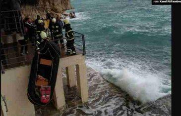 Tragično novogodišnje kupanje: Dva kupača utopila se u Rijeci!