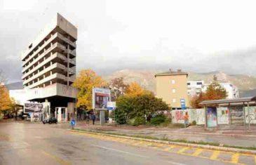 Preminuo dječak koji je pao sa Staklene banke u Mostaru