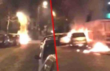 Veliki požar u Liverpulu, vatra progutala hiljade automobila!