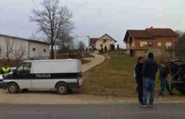 DRAMA U SANSKOM MOSTU: Sjekirom pokušao ubiti policajca, pa dobio metak u stražnjicu