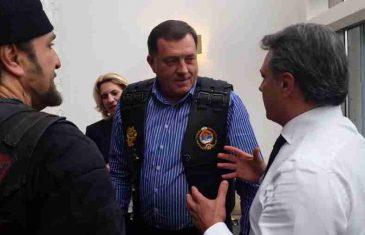 """ZA RAT SPREMNI, DODIK ODGOVORIO ČAMPARI: """"Policija RS-a ne samo da će nabaviti 2.500 pušaka, nego i …"""""""