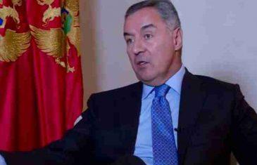 MILO UPOZORIO: Srbi u Crnoj Gori ne smiju pobijediti, ukinuli bi priznanje Kosova i sankcije Rusiji