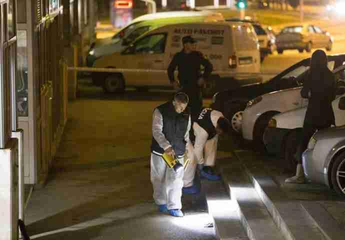 ŽESTOKA PUCNJAVA U KAFIĆU: Upucan mladić, napadač je u bijegu – Na mjestu događaja policija