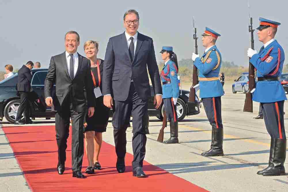 PREMIJER RUSIJE PORUČIO: Za Rusiju Kosovo je dio Srbije, Srbi i Rusi su braća po