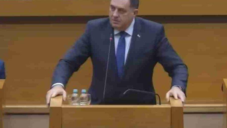 """DODIK IZGUBIO DODIR SA STVARNOŠĆU: """"Ako ne glasaju Bošnjaci, vratit ćemo se u NSRS i donijeti plan koji bi se mogao zvati RS-exit"""""""