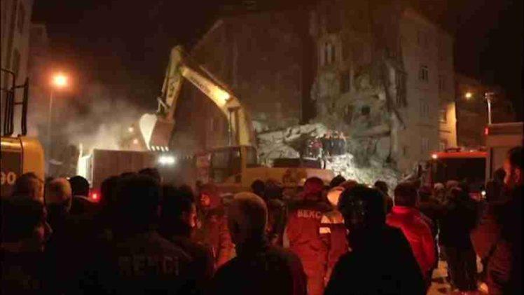 TURSKA BROJI MRTVE I POVRIJEĐENE: Pogledajte najnovije snimke strašne tragedije koja je pogodila Tursku