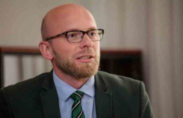 Oglasio se Adis Arapović: Kako malo pojedincima treba da razapnu glasnika, a ne da se pozabave porukom i poentom…