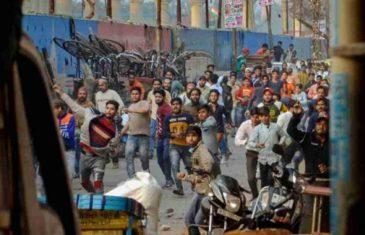 NAKON BRUTALNIH NAPADA NA MUSLIMANE I DŽAMIJE: U neredima ubijene najmanje 32 osobe, SVI IMAJU RANE OD METAKA, hiljade vojnika na ulicama…