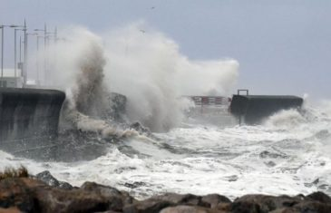 Razorni vjetrovi i obilne kiše pogodili Zapadnu Evropu, najjači udar tek dolazi: Otkazano stotine letova