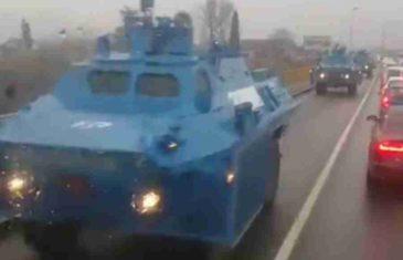 SRBI IZ CRNE GORE SE PREPALI: Kolona policijskih oklopnjaka ušla u Podgoricu (VIDEO)